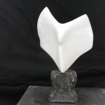 Engel- Witte Albast op hardsteen, verkocht!